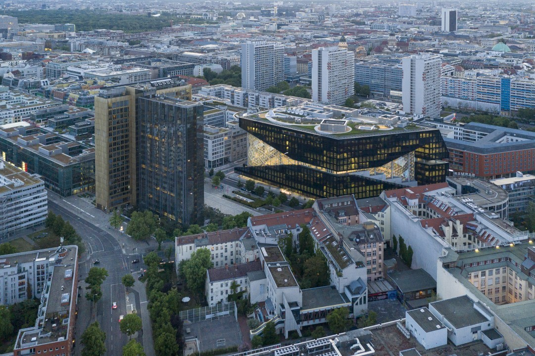 axel_springer_campus_berlin_copyright_laurianghinitoiu_concepteur_lumiere_internal_use_1_of_5_r.jpg